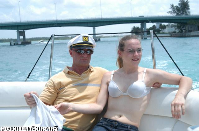 Bitch in glasses gave herself two strangers on a yacht 6 photo