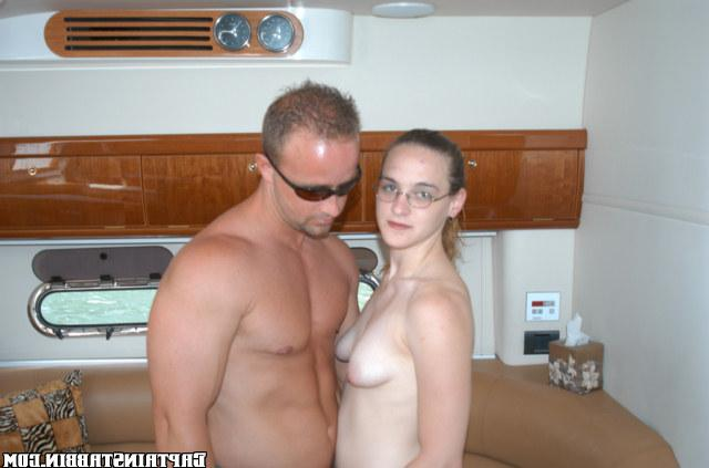 Bitch in glasses gave herself two strangers on a yacht 17 photo