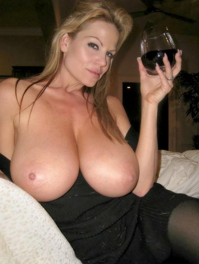 Mature and young all want to fuck 31 photo