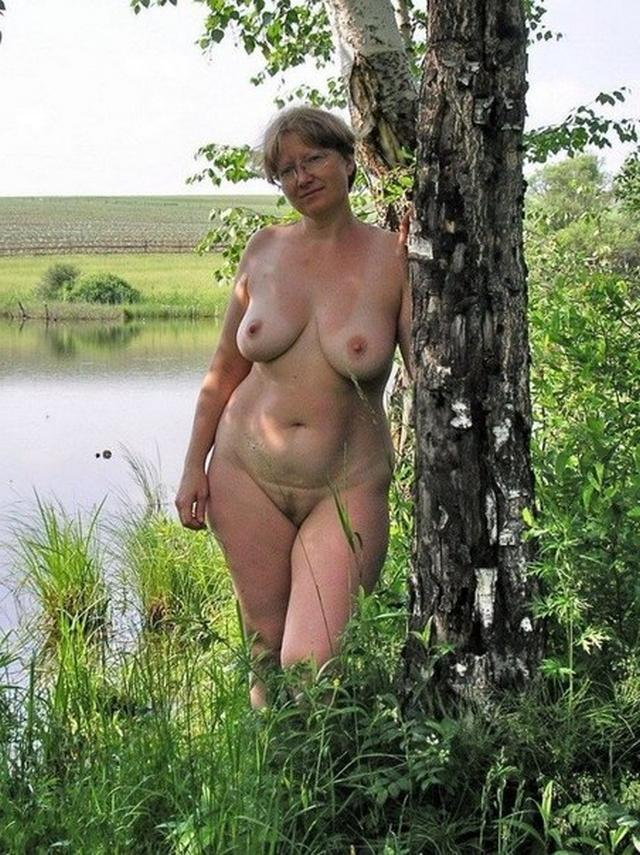 Older wives demonstrate delights of their bodies 15 photo