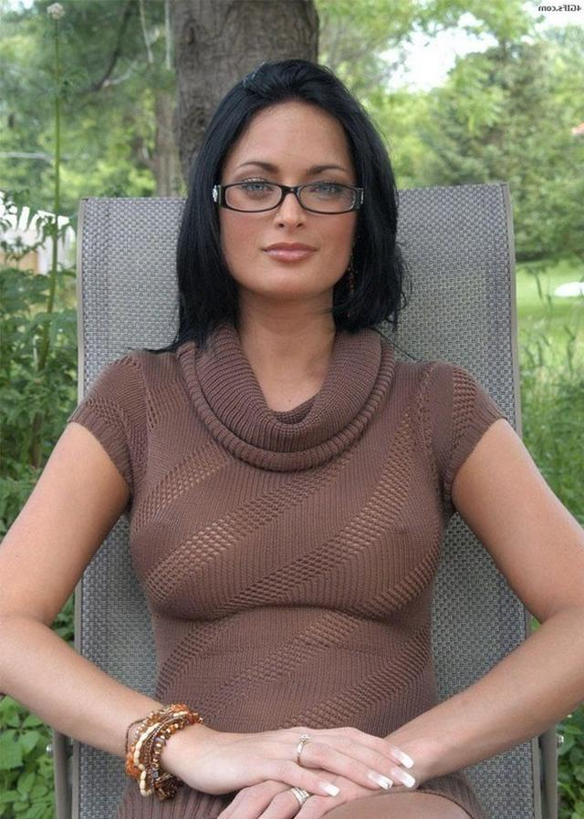 Big sexy boobs of mature hot mommies 1 photo
