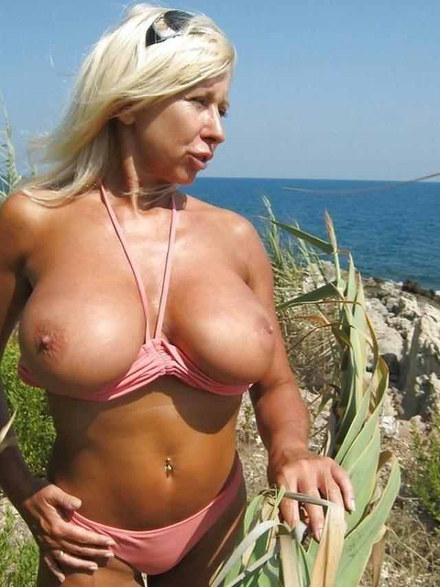 Big sexy boobs of mature hot mommies 21 photo