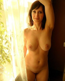 Mature woman with very sexy body and big tits