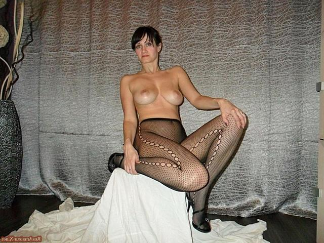 Mature woman with very sexy body and big tits 30 photo