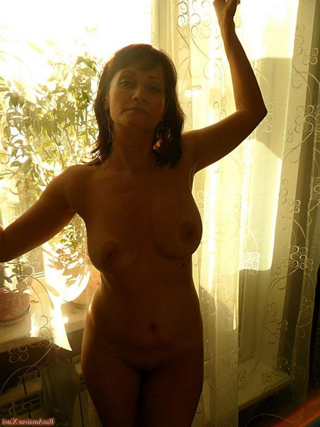 Mature woman with very sexy body and big tits 11 photo