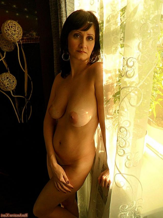 Mature woman with very sexy body and big tits 16 photo