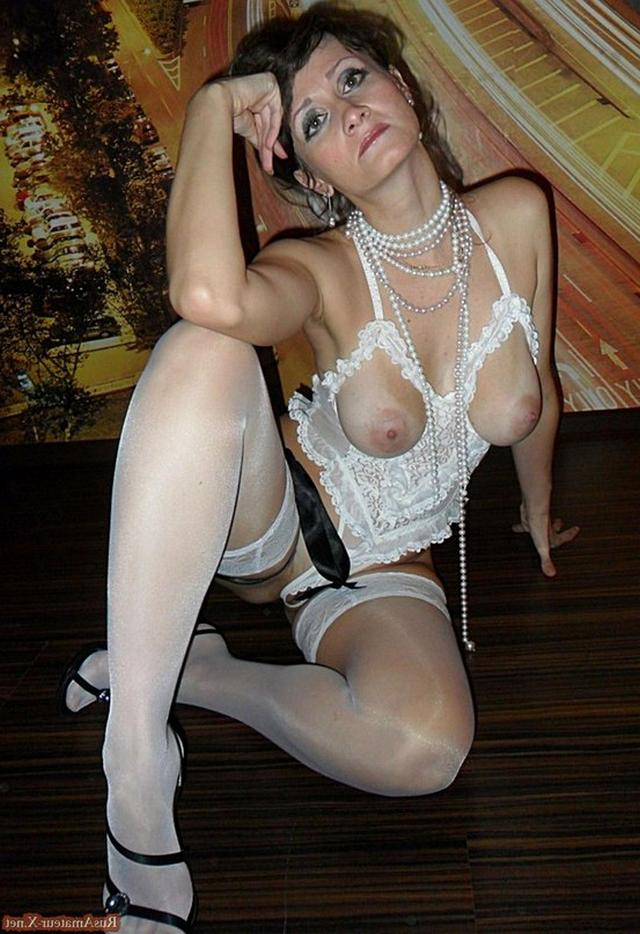 Mature woman with very sexy body and big tits 33 photo