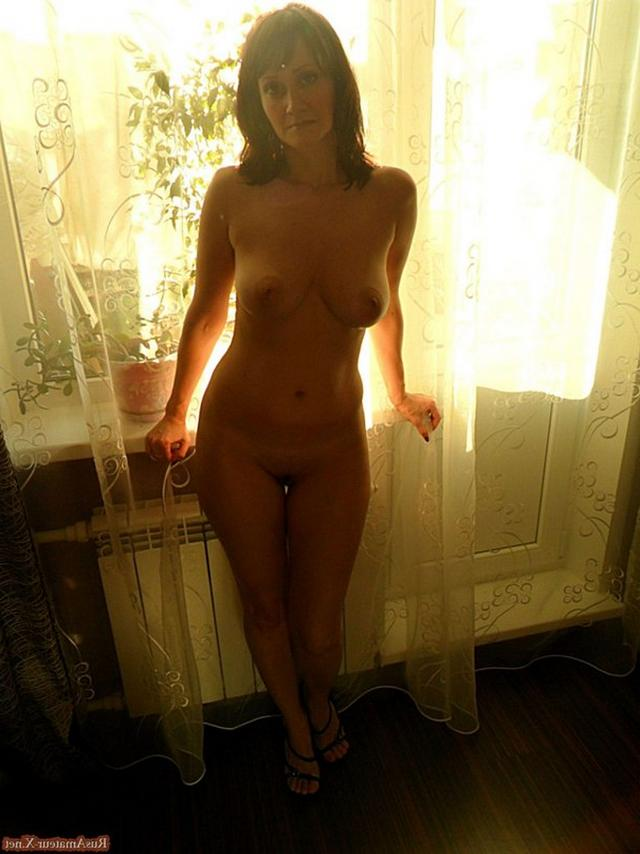 Mature woman with very sexy body and big tits 12 photo