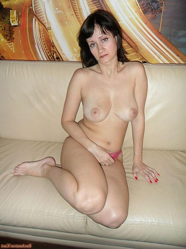 Mature woman with very sexy body and big tits 21 photo