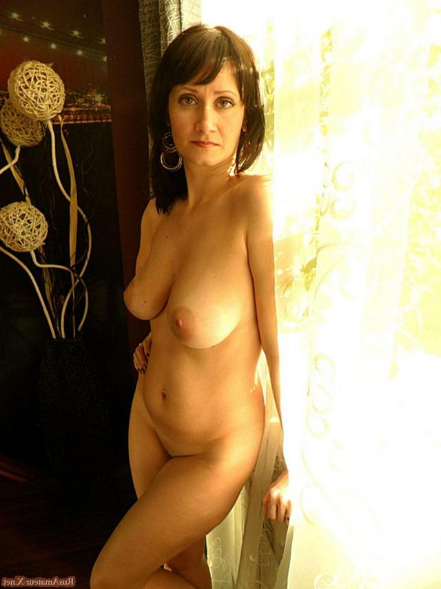 Mature woman with very sexy body and big tits 15 photo
