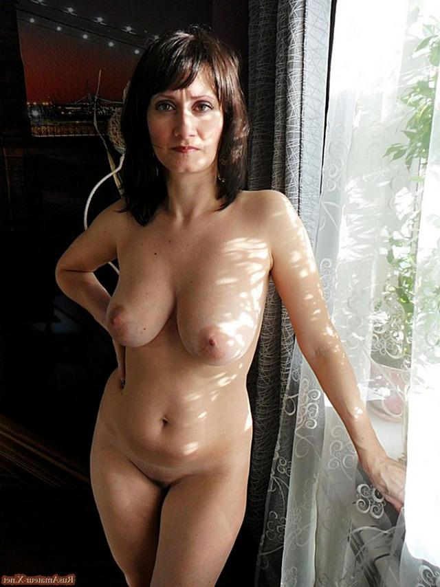 Mature woman with very sexy body and big tits 17 photo