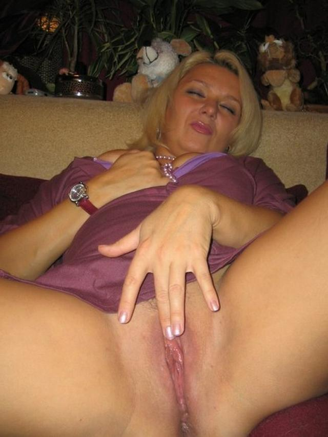 Wet pussies nude moms in frank positions 14 photo