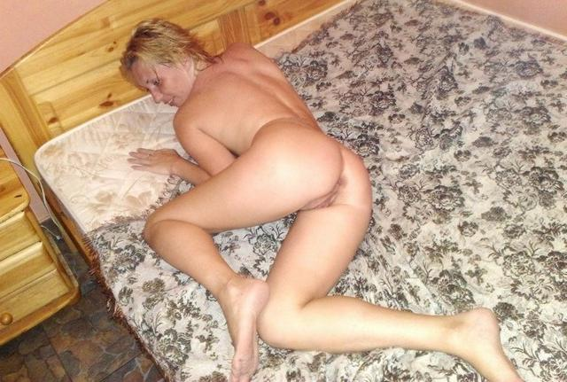 Russian girls who love threesome - Porn pics 30 photo