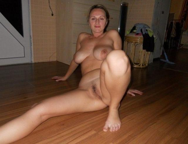 Ladies in waiting for their dream - fat black dick 6 photo