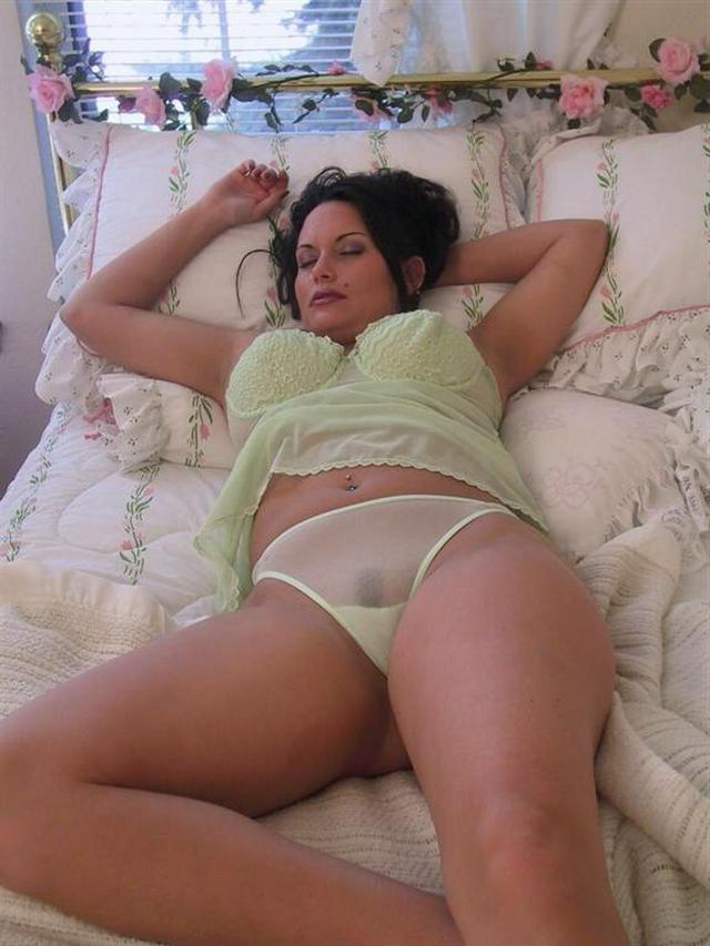 Ladies in waiting for their dream - fat black dick 21 photo