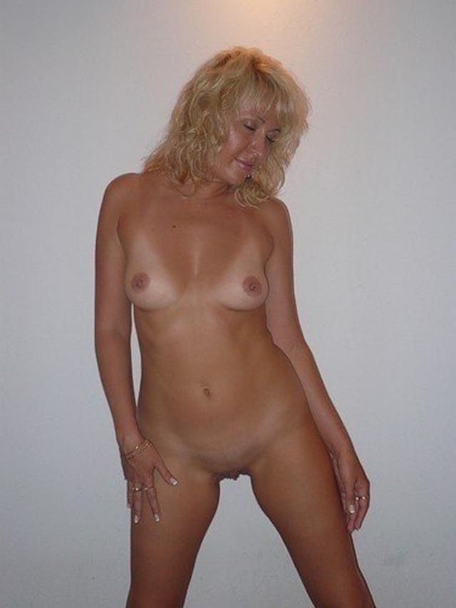 Ladies in waiting for their dream - fat black dick 14 photo