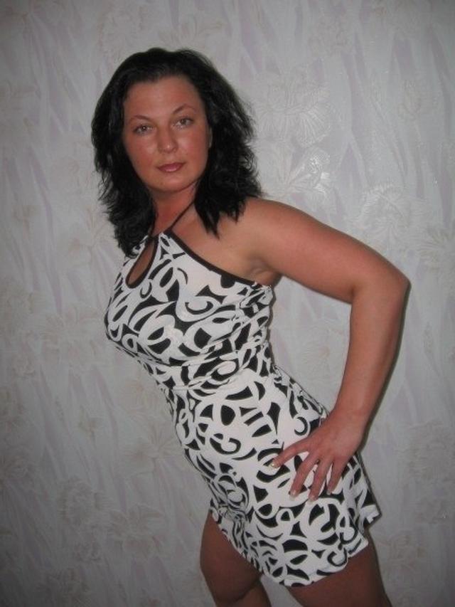 Wonderful women of mature age without panties 28 photo