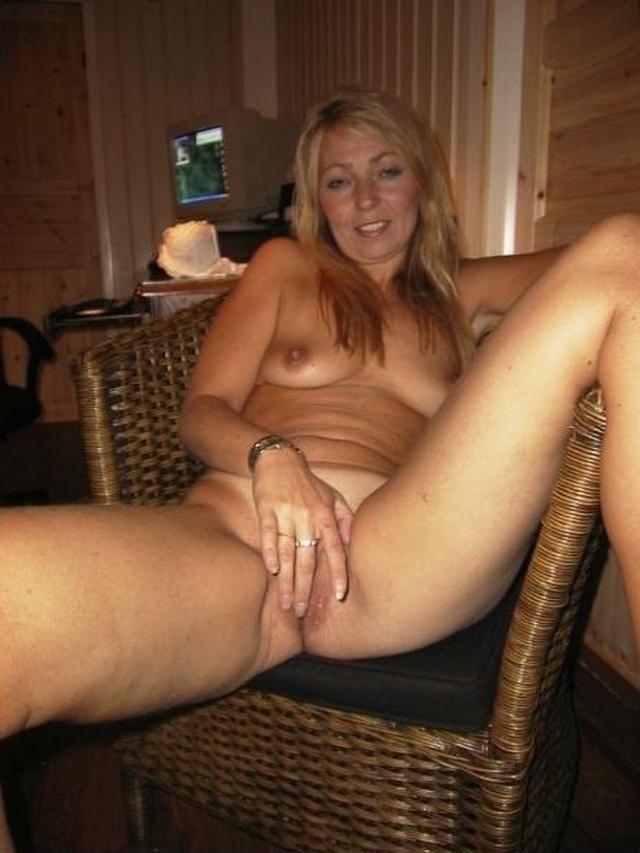 Wonderful women of mature age without panties 22 photo