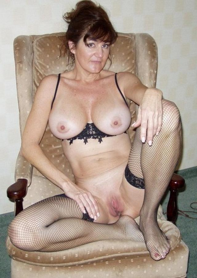 Wonderful women of mature age without panties 20 photo