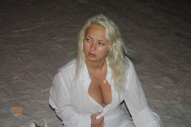 Wonderful women of mature age without panties 31 photo