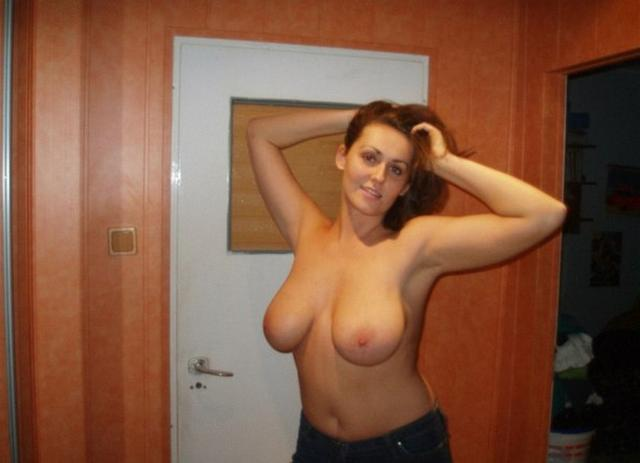 Huge tits mature ladies on the photo close-up 1 photo