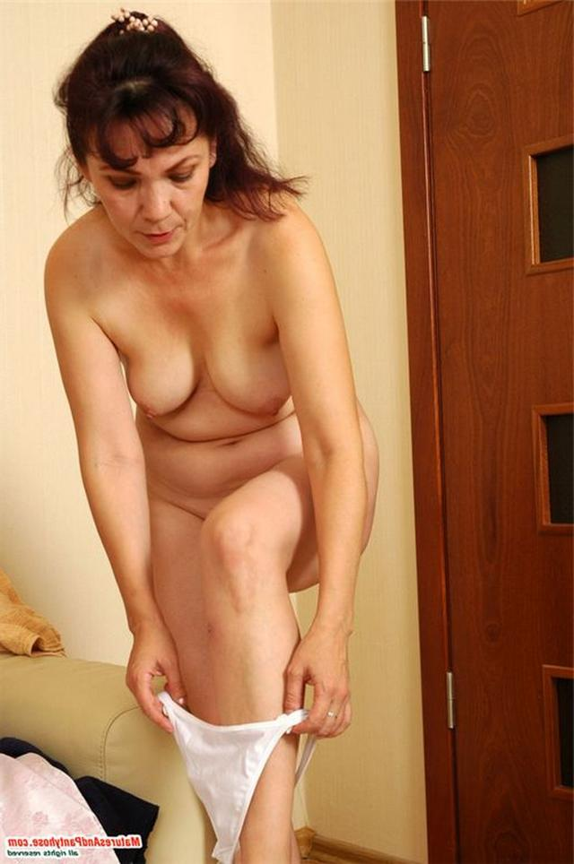 Son fucked mom in pantyhose which came with shower 3 photo