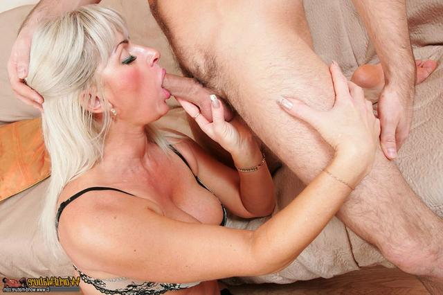 Hot mom cockriding her young boyfriend 4 photo