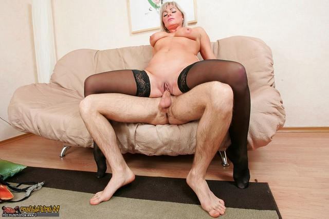 Hot mom cockriding her young boyfriend 9 photo
