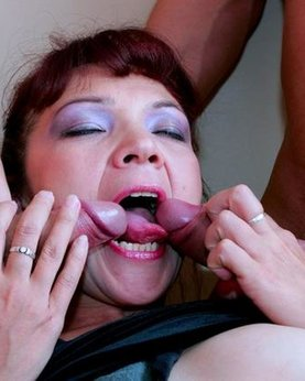 Slut mature takes a couple of dicks simultaneously