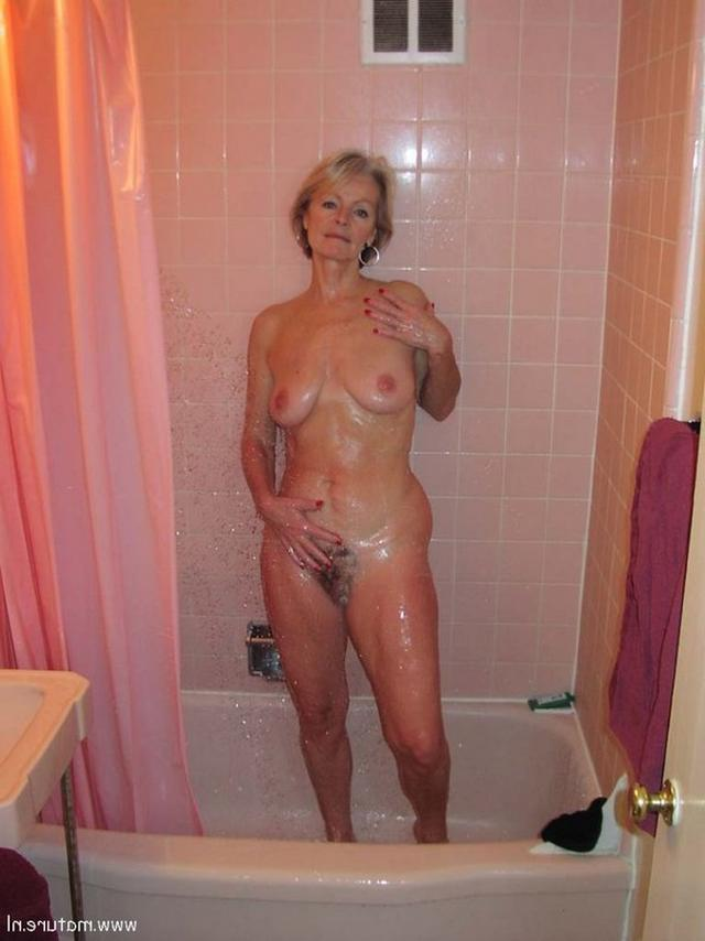 Hot moms undressed and shows their pink pussies 32 photo