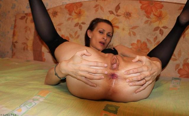 Incredible moms with juicy pussy without panties 29 photo