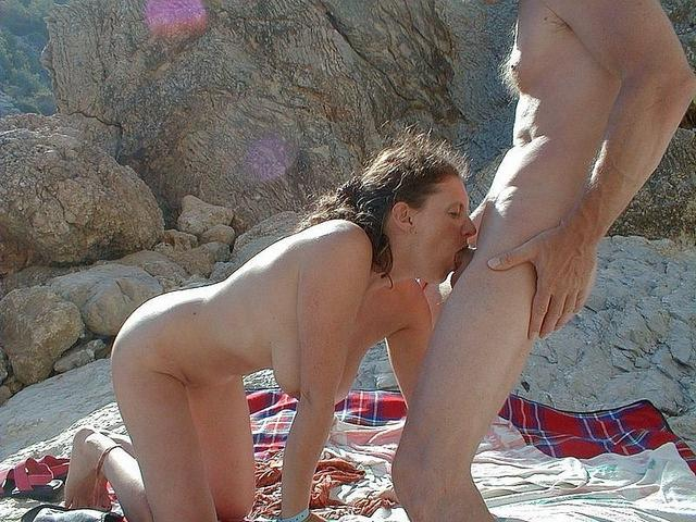 Girls like to do blowjob to their excited husbands 15 photo