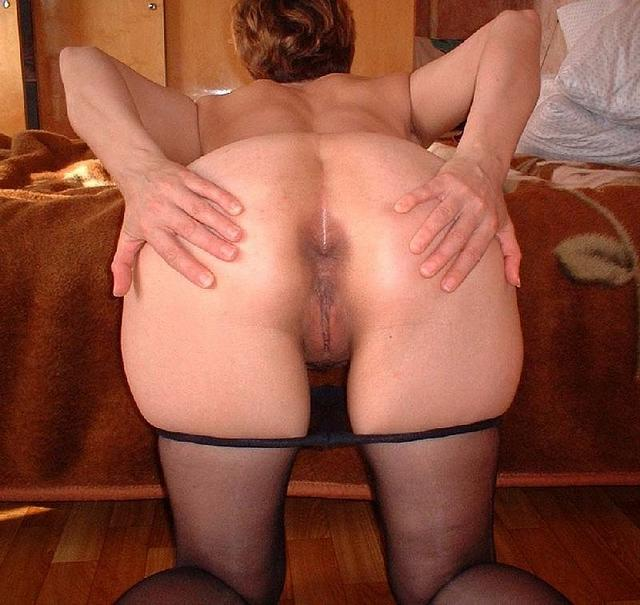 Young man was tempted by big mature woman 14 photo