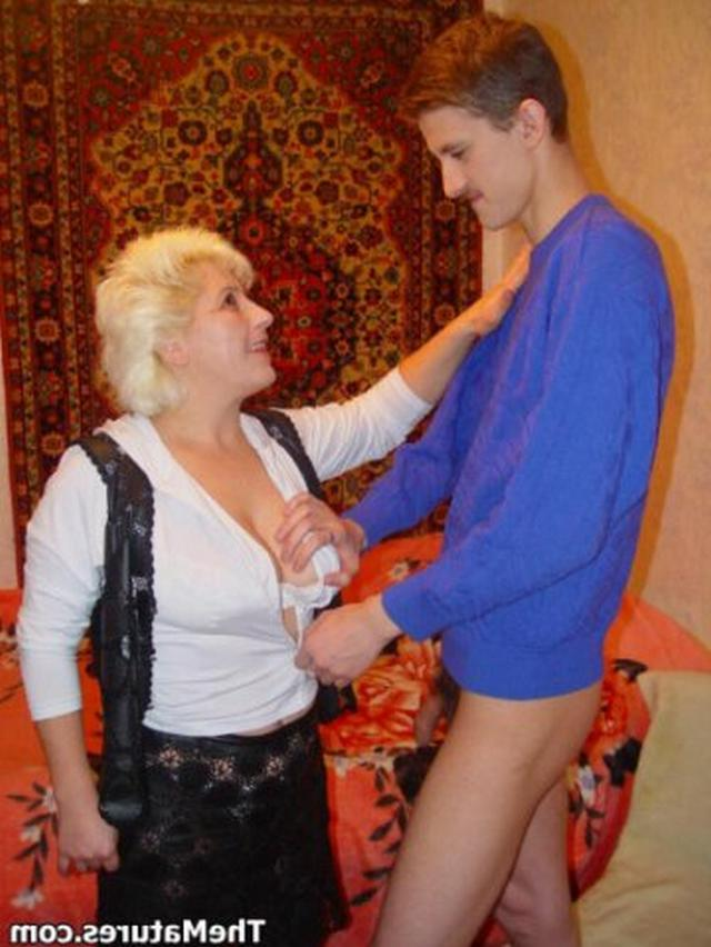 Mother seduces horny guy for good sex 7 photo