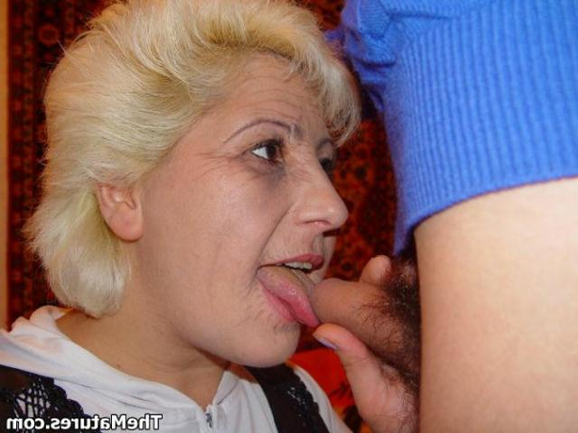 Mother seduces horny guy for good sex 6 photo
