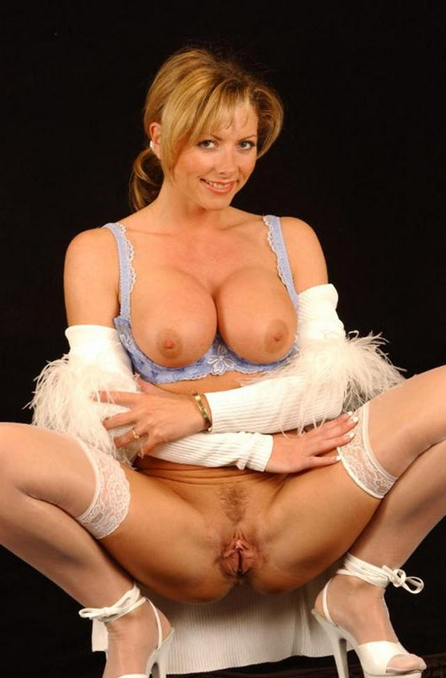 Pussy for public viewing - XXX hot pictures 14 photo