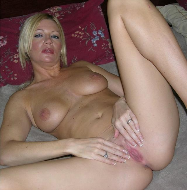 Housewives sometimes excited and then become real sex bomb 9 photo