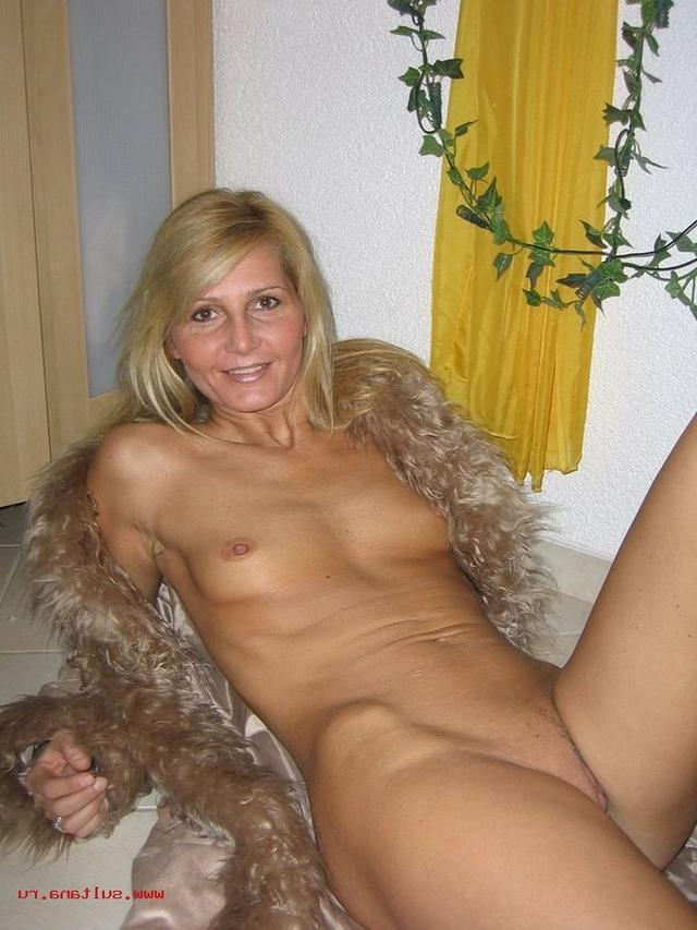 Housewives sometimes excited and then become real sex bomb 26 photo