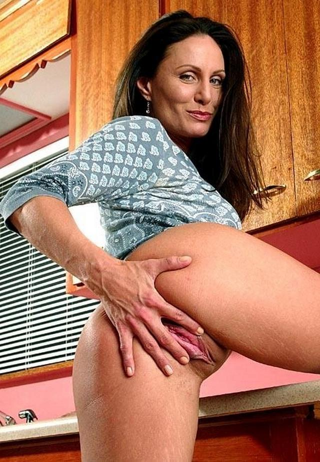 Housewives sometimes excited and then become real sex bomb 20 photo