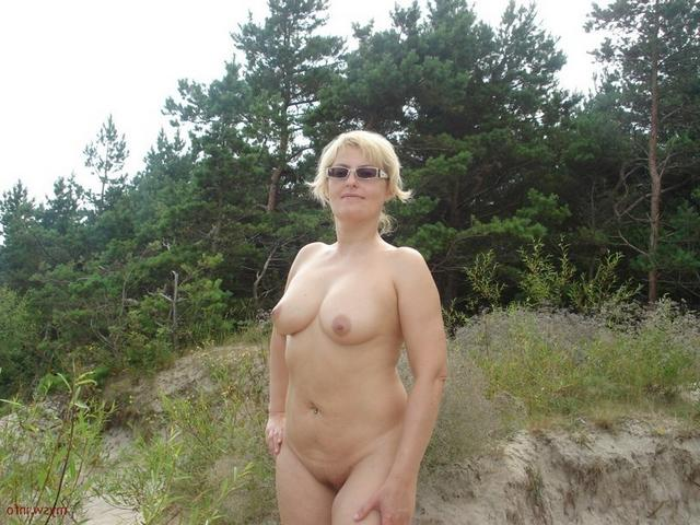 Titted ladies are sharing their charms 10 photo