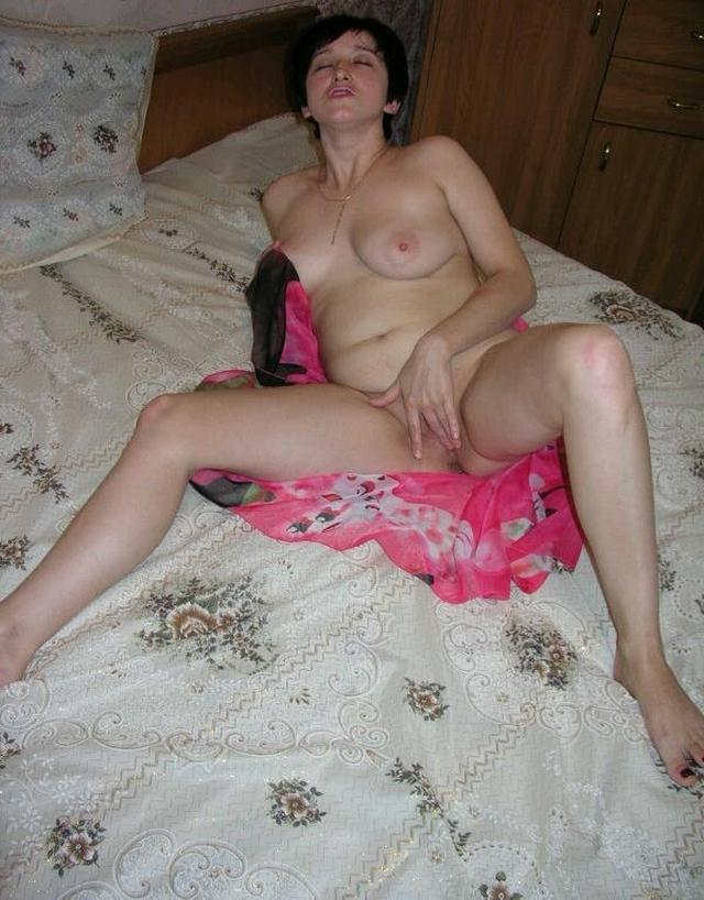 Housewife showed that she had beneath light dressing gown 15 photo
