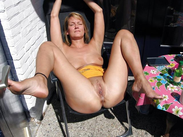 Candid bitches show that they have between their legs 30 photo