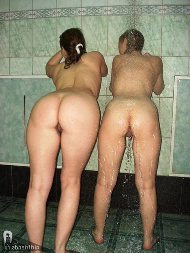 Stripped women in the Russian baths are showing themselves 22 photo