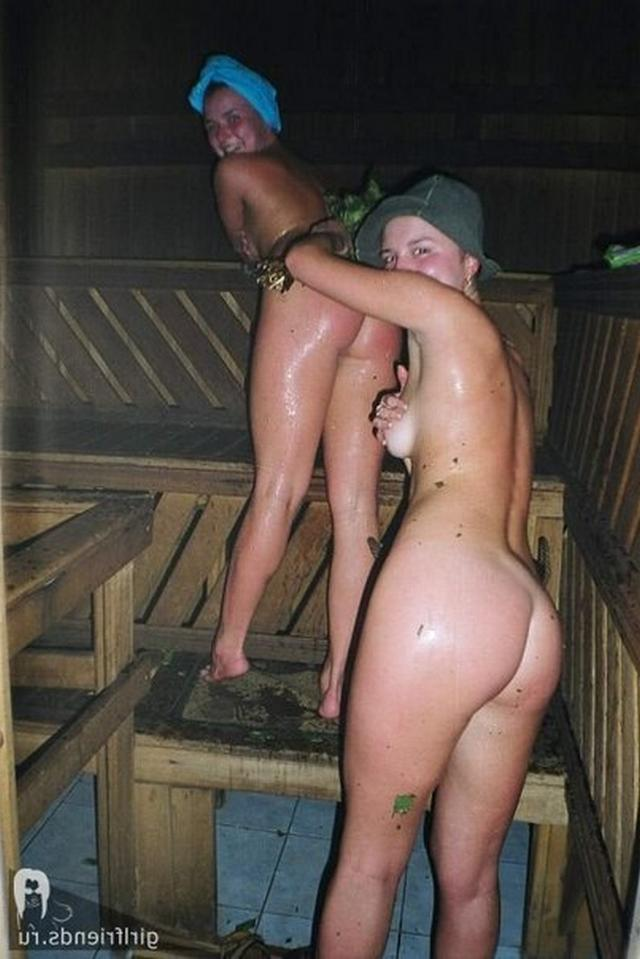 Stripped women in the Russian baths are showing themselves 9 photo