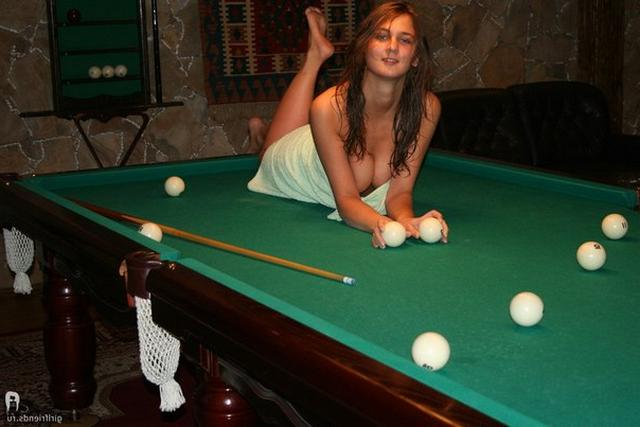 Stripped women in the Russian baths are showing themselves 7 photo