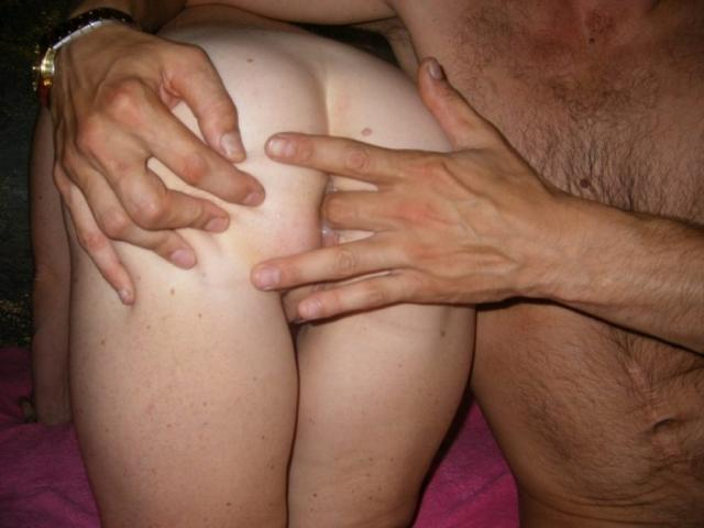 Man spiers a couple of older mistresses in all holes 8 photo