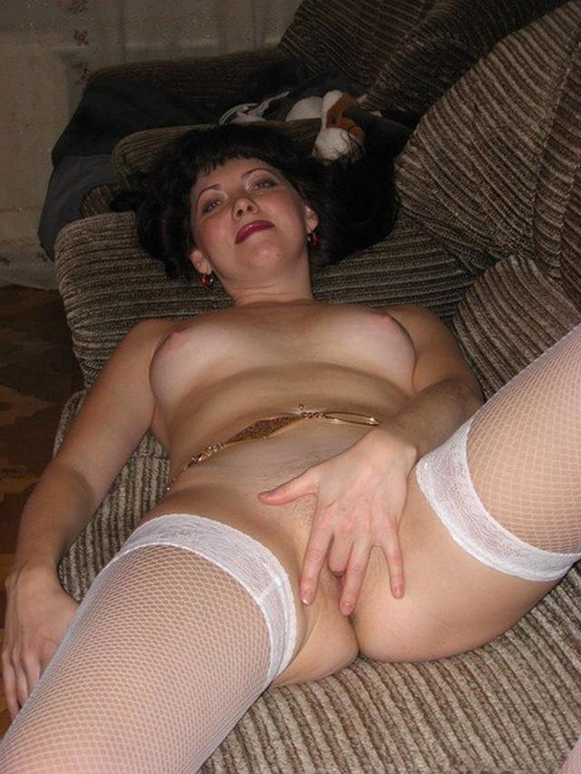 Shameless and mature mother undressed 8 photo