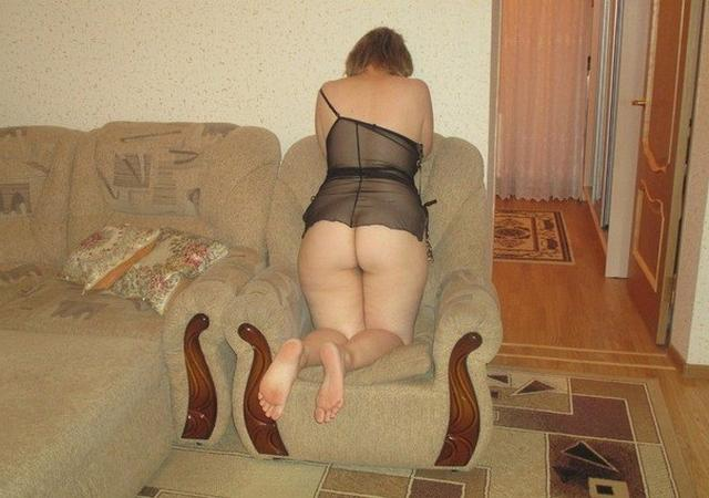 Shameless and mature mother undressed 18 photo