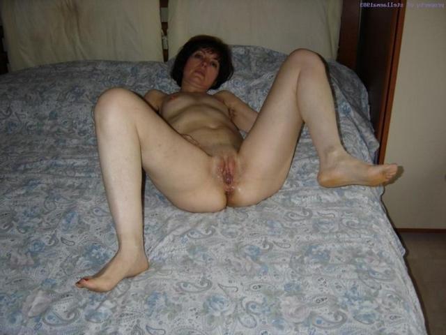 Man kneads ass hole his mature neighbor 13 photo