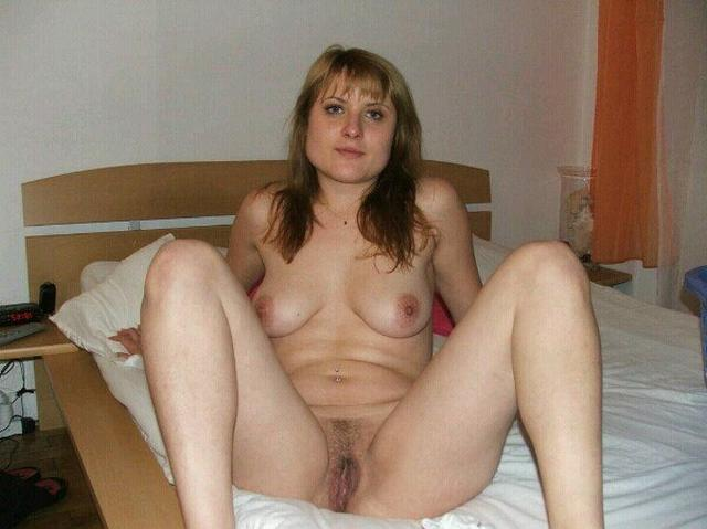 Older bitches pussy opened and invite for sex 18 photo
